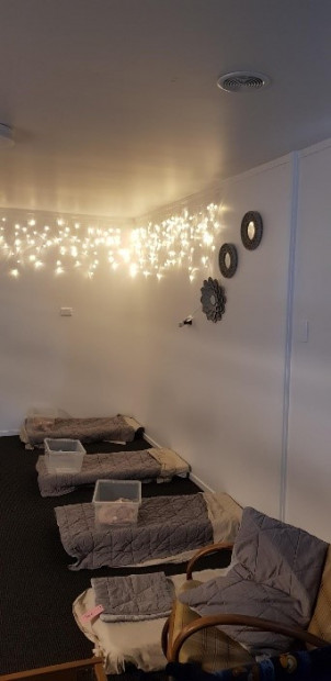 Four beds and sparkle lights